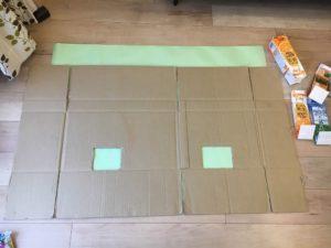 模造紙を下に敷く